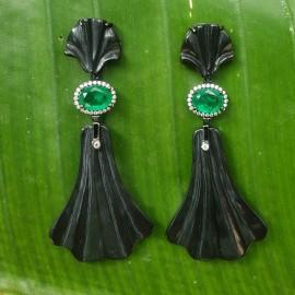 Brinco Leque preto e esmeralda