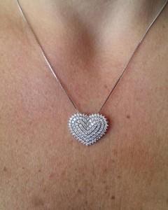 Colar coração cravejado prata 925